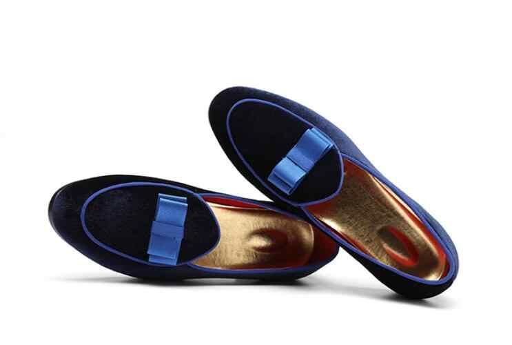 Новинка; мужские замшевые лоферы с бантом; свадебные модельные мужские туфли на плоской подошве; повседневная кожаная обувь без застежки; Мужская официальная обувь