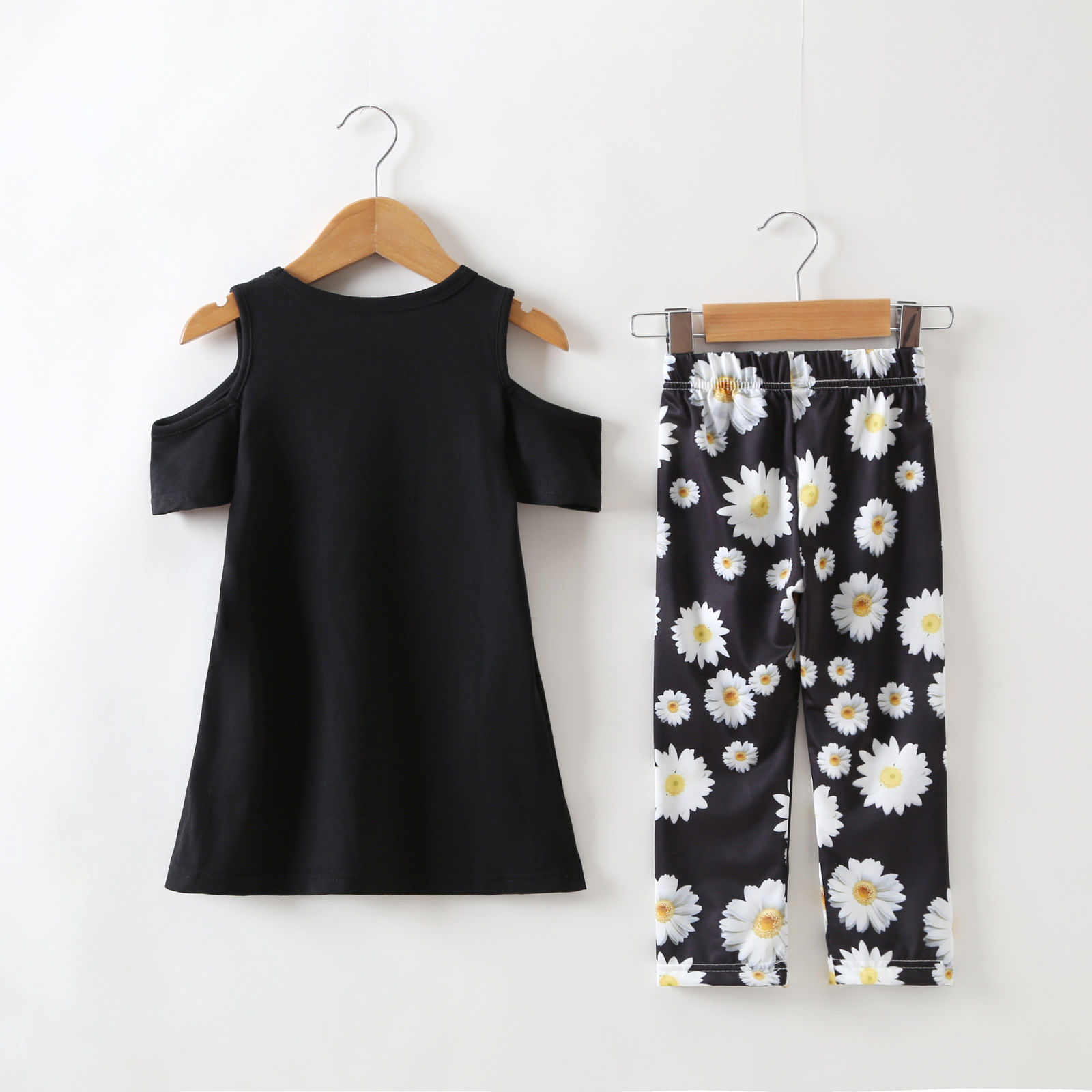Family Mother Daughter Dress 2018 Family Clothing Cold Shoulder T-Shirt Cotton Floral printed Family Matching Outfits Sets
