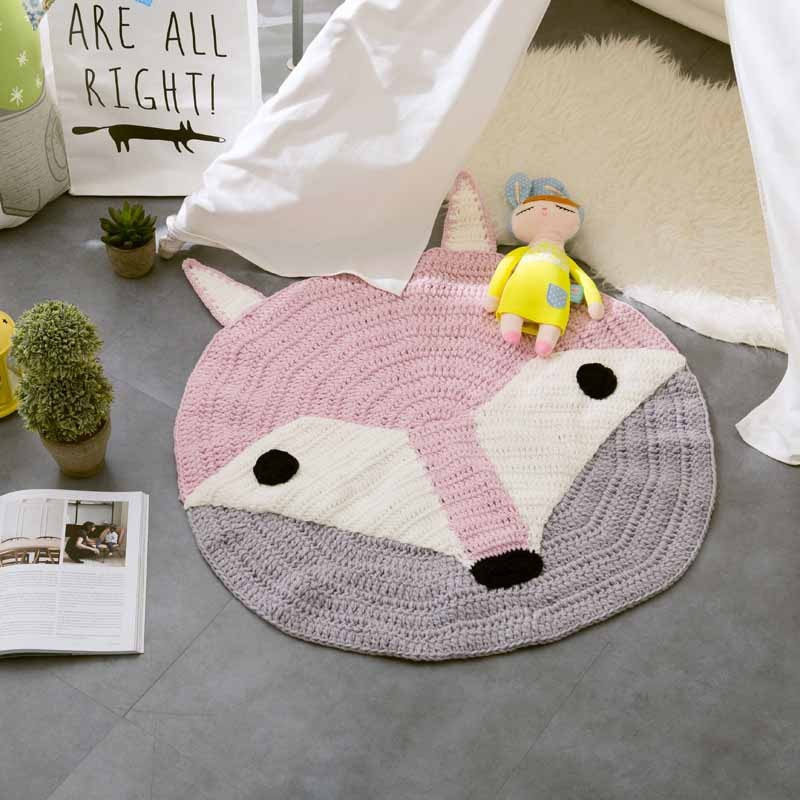 Cartoon Hand Woven Carpet Acrylic Fox/Bear Animal Mat European Round Mats Bedroom Decor Kids Room Play Rug Knitted Sleep Blanket