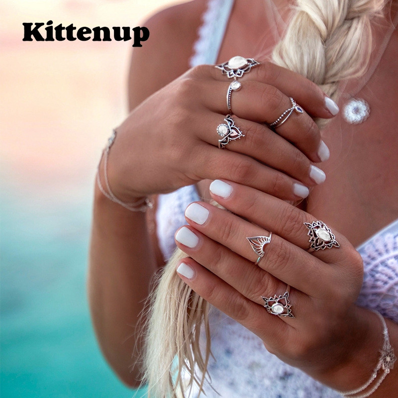 7 Amazing Colours For A Statement Wall With Wow: Kittenup 7pcs/Set Crown Flower Crystal Knuckle Rings Set