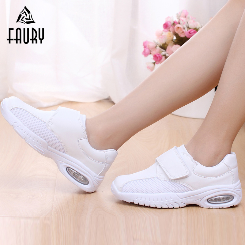 2018 New Non-slip White Work Shoes For Hospital Nurses High Quality Soft Breathable Mesh Women Shoes Summer Footwear