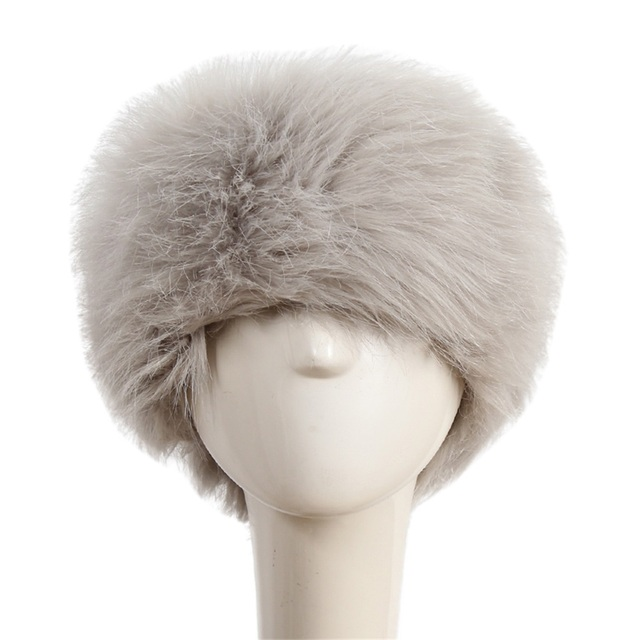 Women Winter Spring Tick Warm Cap Russian Faux Fluffy Fox Fur Hat Head Ring  Headwear Ski Snow Hats Earwarmer Fashion Bonnet Z4 b9910ec76df
