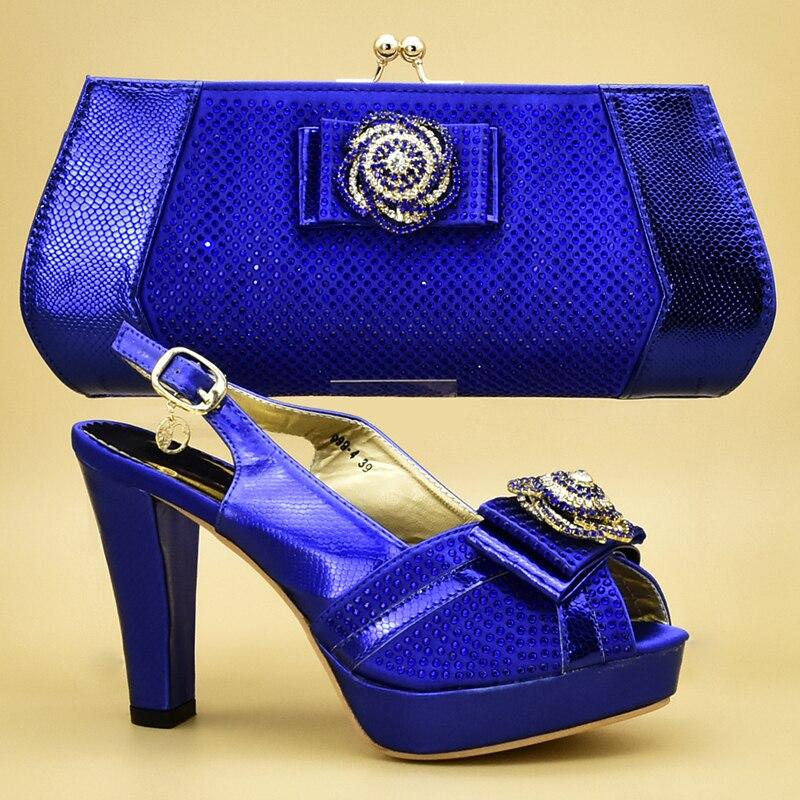 En Décoré Bleu Et Femmes Nouvelle pourpre Correspondant Luxe Chaussures Sacs Mode green Nigérian Pour De or Ventes Ensemble Avec Strass Dame Soirée UwqCqEv