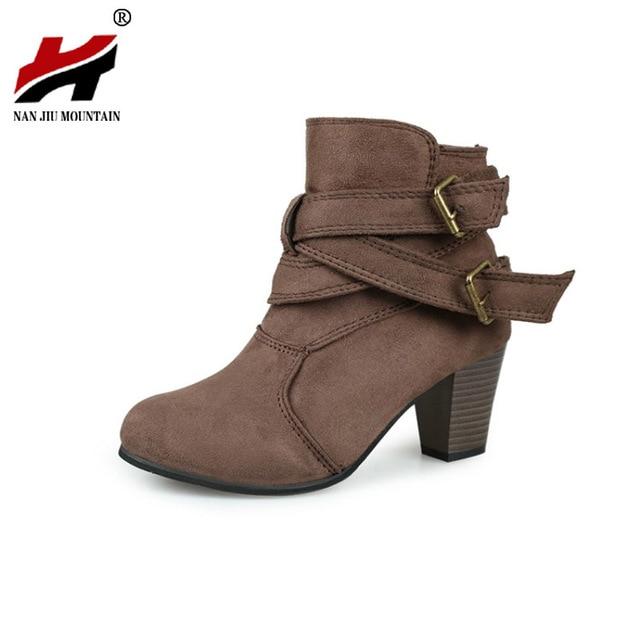 0239f624f7f NAN-JIU-monta-a-nueva-zapatos -mujer-Martin-botas-cabeza-redonda-gruesa-con-la-correa-doble.jpg_640x640.jpg