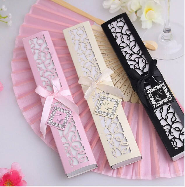 Free Shipping 100pcs Luxurious Silk Fan Wedding Gifts Novelty Decoration Soap Bubble Favors In Party From Home Garden On