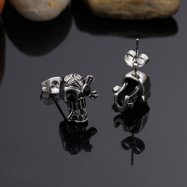 STAINLESS STEEL COOL SKULL WITH CZ CRYSTAL EARRINGS