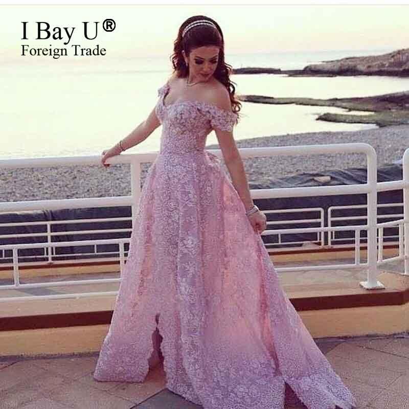 Розовые платья в кружевах