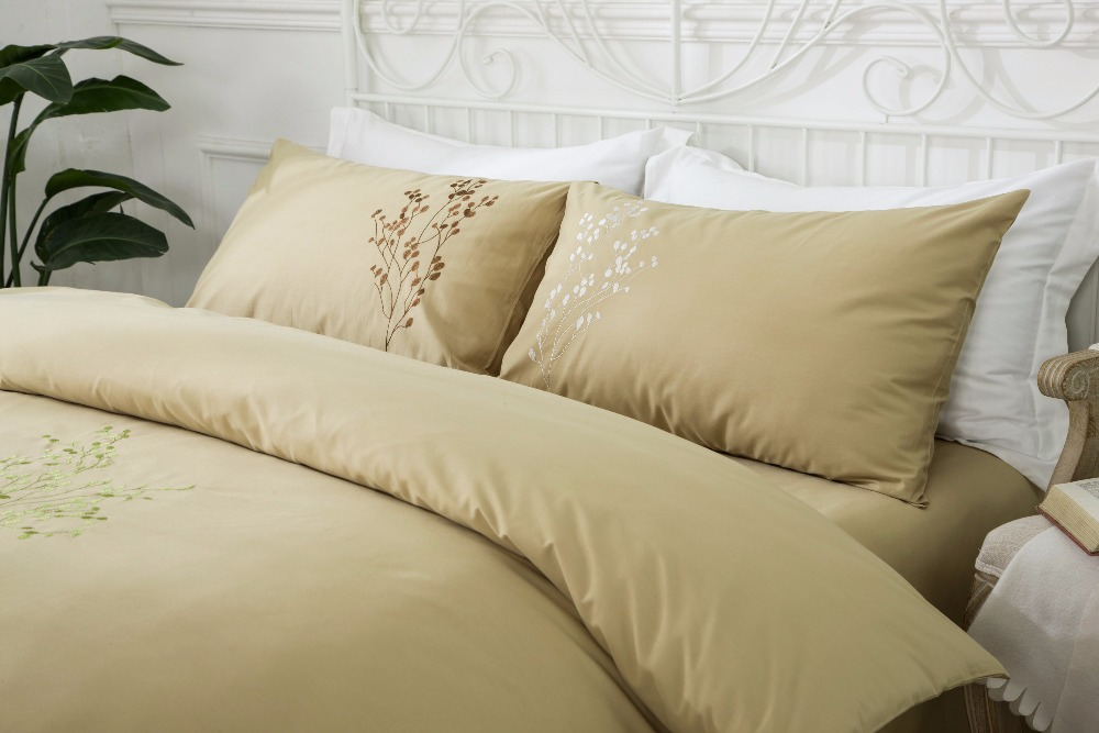 4 UNIDS 100% Algodón Bordado Decoración de la boda ropa de cama - Textiles para el hogar - foto 4