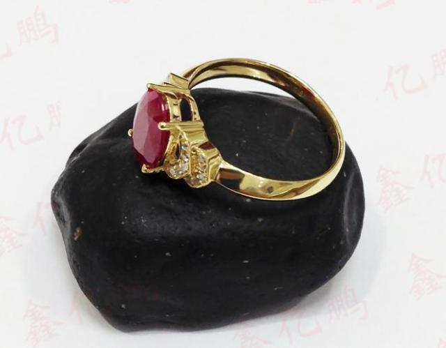 18 k gold inlaid natural Burmese ruby ring female 1.6 carats luxury and generous Birthday gift 4