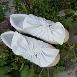 SWYIVY/женская повседневная обувь с белым бантом; сезон весна; коллекция 2018 года; женские кроссовки на плоской подошве без застежки; удобная же...