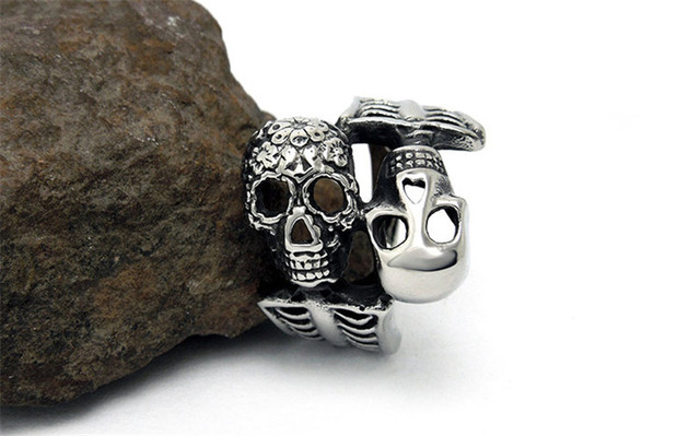 STAINLESS STEEL DOUBLE SKULL RING