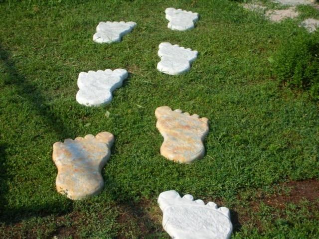 Piastre Da Giardino In Plastica.Stampi In Plastica Per Calcestruzzo Orme Del Gigante Per Il