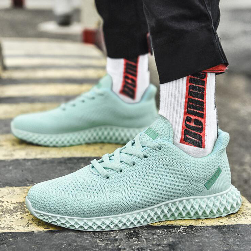 Sports Shoes Men 2019 Lightweight Mesh Flying Woven Men's Sneakers Breathable Casual Men's Footwear Small White Shoes Men