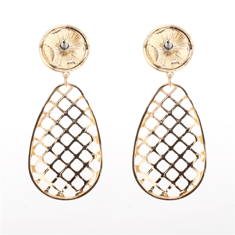 Fashion jewelry earring The new lady droplets alloy earrings geometry lady stud earrings wholesale in Stud Earrings from Jewelry Accessories
