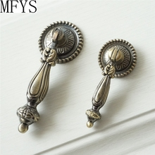 цена Drop Dresser Knobs   Drawer Pull Handles Hanging Kitchen Cabinet Knobs Handle Pull Antique Bronze Decorative Furniture Hardware