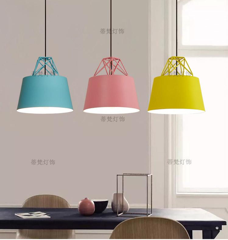Fashion Colorful Modern Wood Pendant Lights Lamparas Minimalist design shade Luminaire Dining Room Lights Pendant Lamp