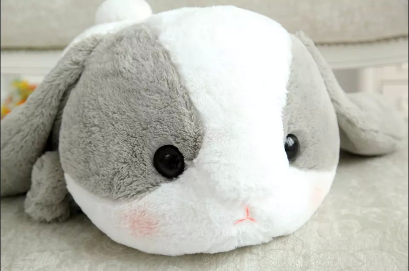 Bigger-Than-You-Think-AMUSE-Pote-Usa-Loppy-Cuddly-Bunny-Fluffy-Rabbit-Plush-Toy-Lying-Gesture