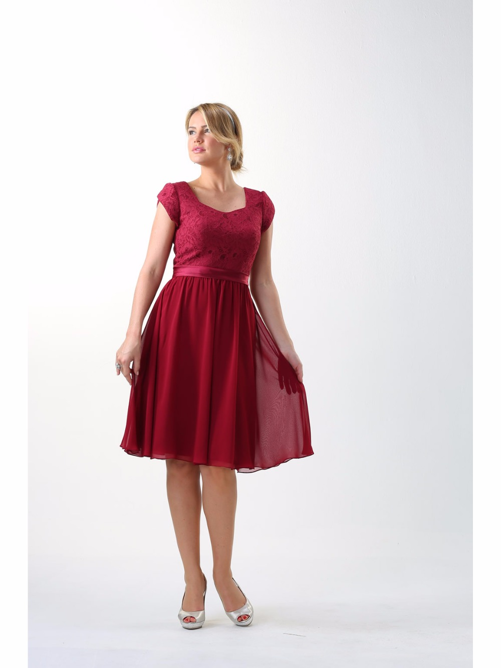 Dark red lace chiffon short modest bridesmaid dresses 2017 with dark red lace chiffon short modest bridesmaid dresses 2017 with sleeves simple a line knee length country bridesmaids gowns in bridesmaid dresses from ombrellifo Image collections