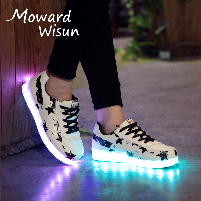 2018 New Glowing Sneakers with Luminous Sole Illuminated Luminous Sneakers LED Light Shoes for Kids Boys LED Slippers Krasovki