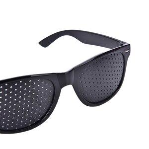 Image 5 - ใหม่มาถึงสีดำ Unisex Vision Care PIN Hole ตาการออกกำลังกายแว่นตา Hole แว่นตาสายตาปรับปรุงพลาสติกมีหูคุณภาพ