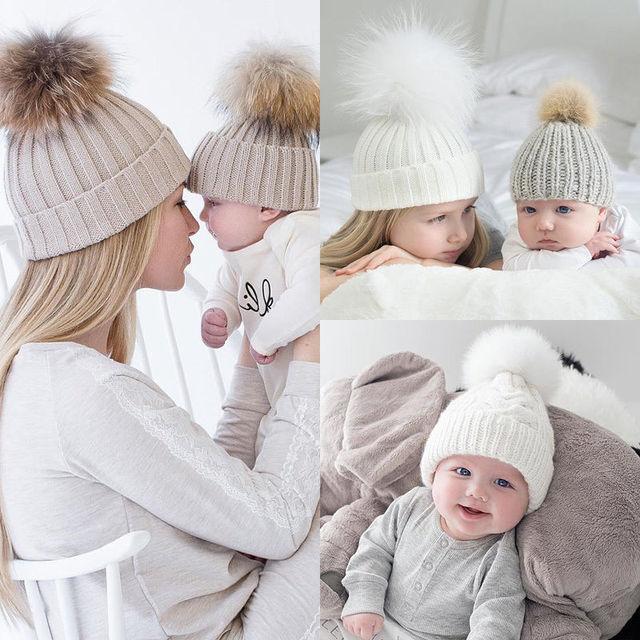 Шапка с помпоном для мамы и ребенка, теплая шапка с помпоном из меха енота, детская вязаная шапка из хлопка для родителей и детей, зимние шапки, рождественский подарок