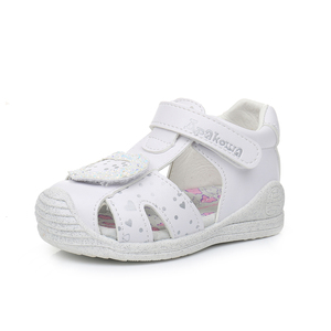 Image 4 - Apakowa sandales à bout fermé pour petites filles, chaussures dété à crochet et boucle, chaussures de plage, pour la fête, voyage, avec Support en arc