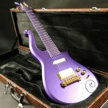 Instock  purple prince electric guitar gold hardware  set in joint  korean headmachine guranteed quality free shipping купить недорого в Москве