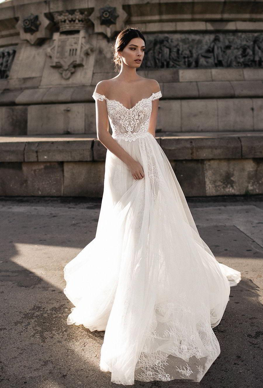 Gali Karten 2018 Sheer Bohemian Wedding Dresses Off the Shoulder Lace Illusion Bodice Tulle Sweep Train Backless Bridal Gowns in Wedding Dresses from Weddings Events