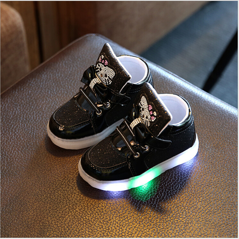 2017-NEW-Children-Light-Up-Glowing-Sneakers-Kids-LED-Luminous-Shoes-Boys-Girls-Colorful-Flashing-Lights-Sneakers-Led-Sport-Shoes-1