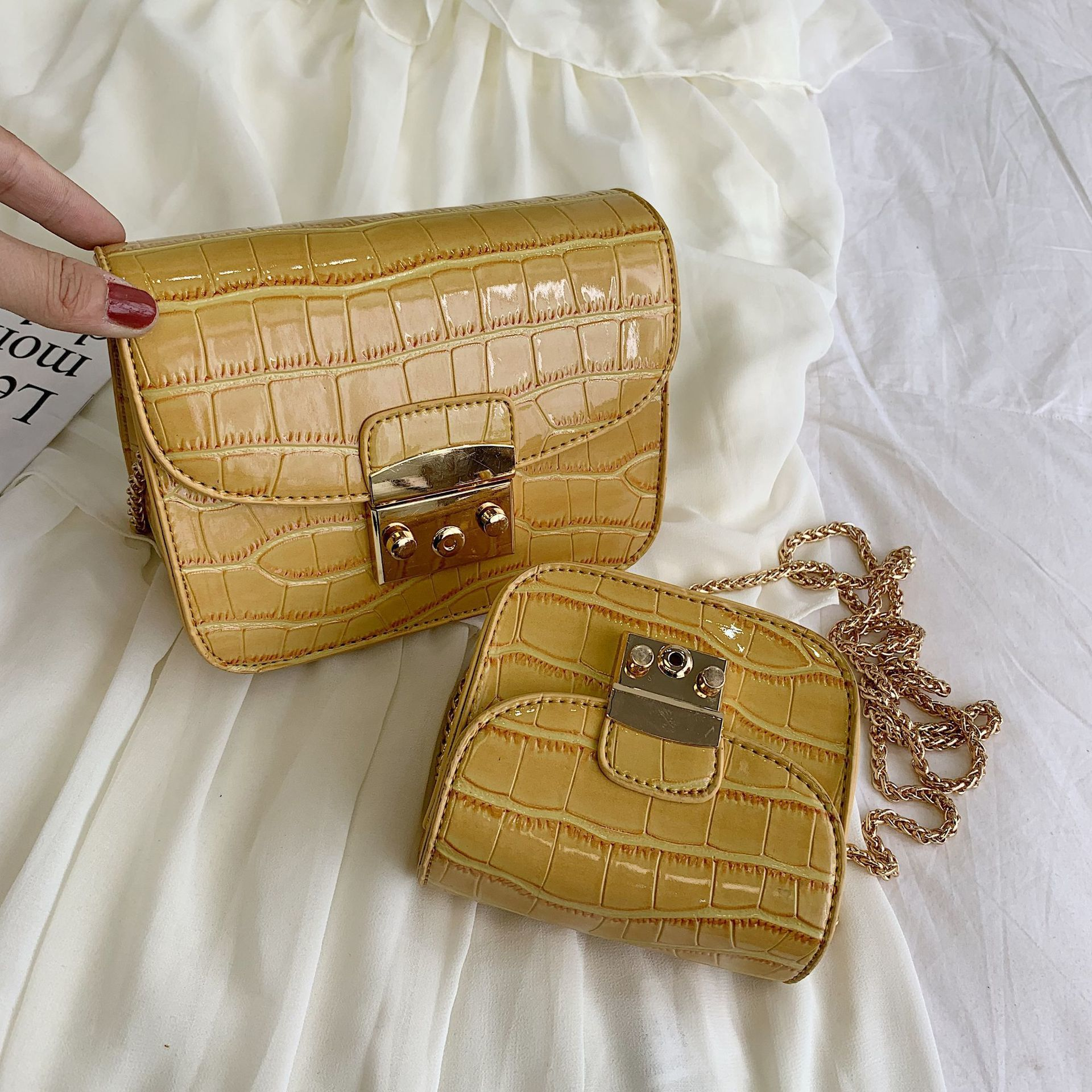 Female Crossbody Bags For Women 2019 Quality Leather Luxury Handbags Designer Sac Main Ladies Alligator Shoulder Messenger Bag in Top Handle Bags from Luggage Bags