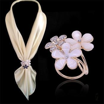 2017 Fashion Flowers Brooch Scarf Buckle Bouquet Luxury Crystal Rhinestone Scarf Clips For Women Jewelry Dropshipping