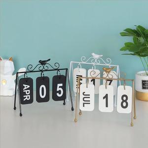 Image 3 - 2020 패션 수동 책상 금속 달력 홈 장식 사무실 테이블 calendario pared 나무 편지지 소녀 생일 선물