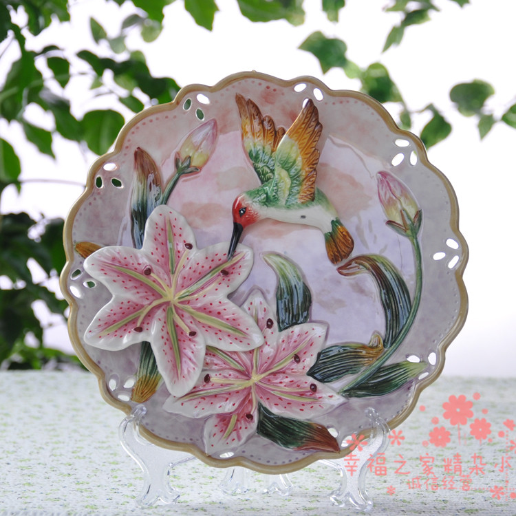 Hummingbird lily flower decorative wall dishes porcelain decorative plates vintage home decor crafts room decoration figurineHummingbird lily flower decorative wall dishes porcelain decorative plates vintage home decor crafts room decoration figurine