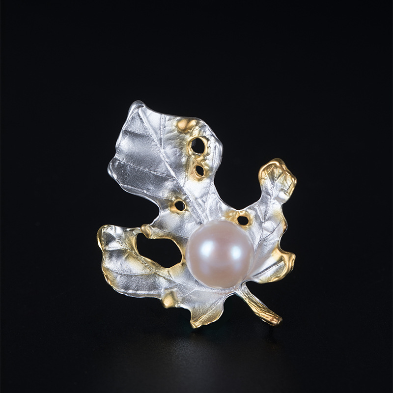 925 sterling silver maple leaf pearl brooches silver Collar needle natural 9mm pearl maple leaf brooches for women jewelry charm юбка fz1850 maple leaf 2014