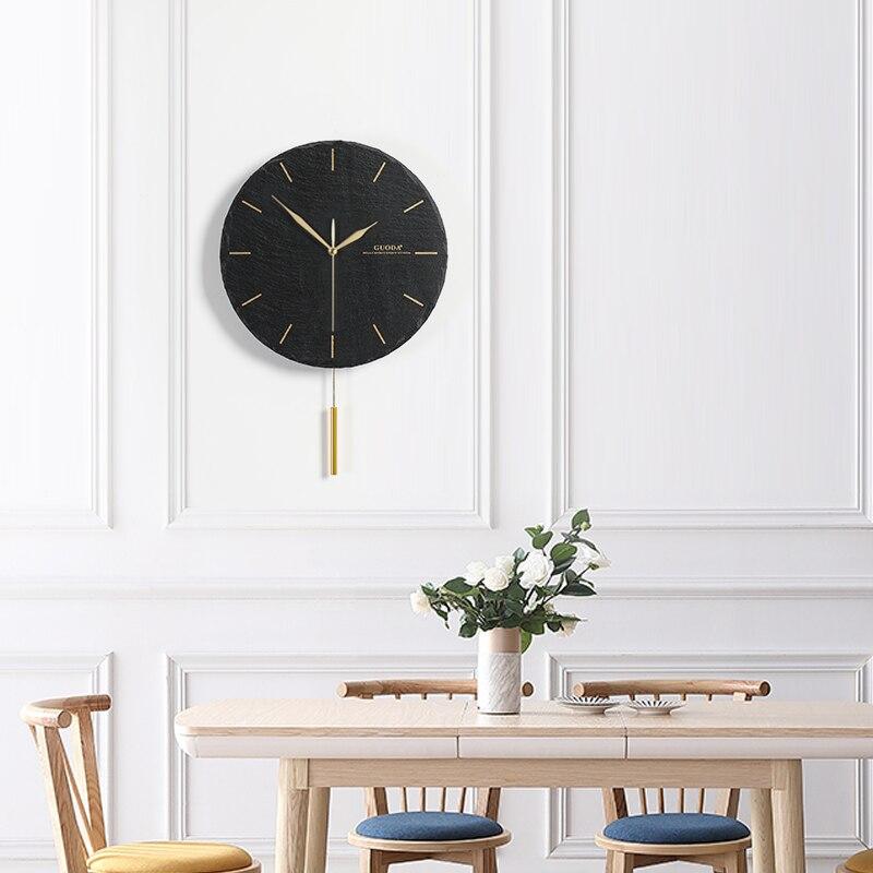 자연 락 스윙 벽시계 사일런트 블랙 쿼츠 벽시계 현대 디자인 금속 포인터 장식 벽시계 무료 배송-에서벽결이 시계부터 홈 & 가든 의  그룹 1