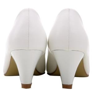 Image 4 - Yalnn 성숙한 여성 펌프 하이힐 신발 가죽 5 cm med 고품질 신발 화이트 블랙 펌프 office lady shoes