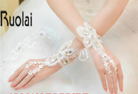 New Arrival 2017 Bridal Dresses Accessories Wrist Bridal Gloves Lace Fingerless One Size For Wedding Dresses