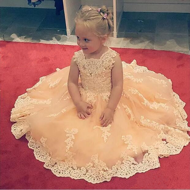 2017 Flower Girl Dresses Princess White Ivory Jewel Neck Appliques Lace Kids Formal Tulle Baby Girl Pageant Dresses For Wedding fashionable lace panelled jewel neck slit top for women