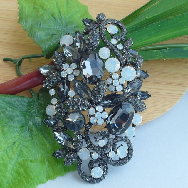 241155cf157 Wedding Deco Bridal Bouquet Gray Rhinestone Crystal Flower Brooch Art Deco  Crystal Sash Brooch Scarf Pin EE06526C6