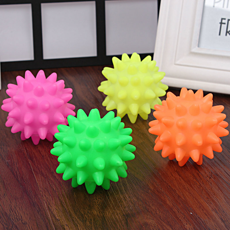 1Pcs Dog Squeaky Ball Toys Fun Outdoor Dog Biting Chewing Playing Fun Bright Color Dog Pet Toy Ball Training Supplies