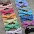 Hombres Adultos Pajarita Nuevo Estilo de corea Personalidad de La Moda Los Colores Del Caramelo Bowtie de Algodón Imitación Oxford Color Sólido Mariposa Hembra