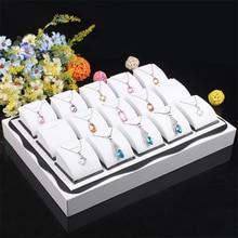 Envío Libre, Blanco color de madera caja de Joyería Colgantes Collar Muestra Show Case Bandeja Organizador Caja de 15 soportes de Exhibición de la joyería caja