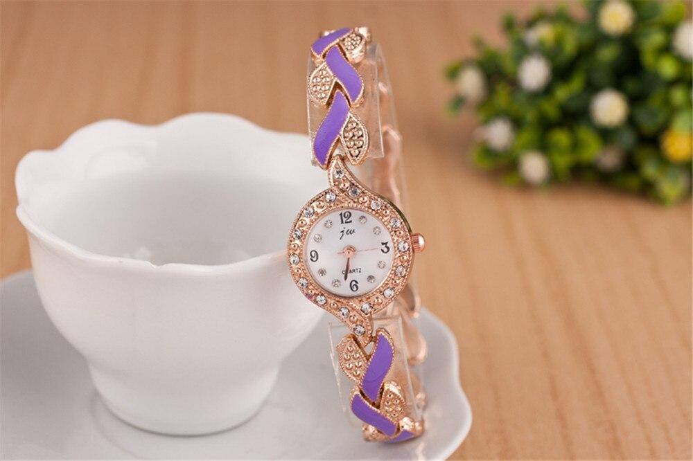 Elegantsed kuldsed kellad