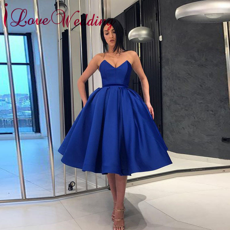 New Arrival 2019 Sexy V Neck Cocktail Dresses Royal Blue Satin Knee Length Short Dress For Special Occasions Party Gown
