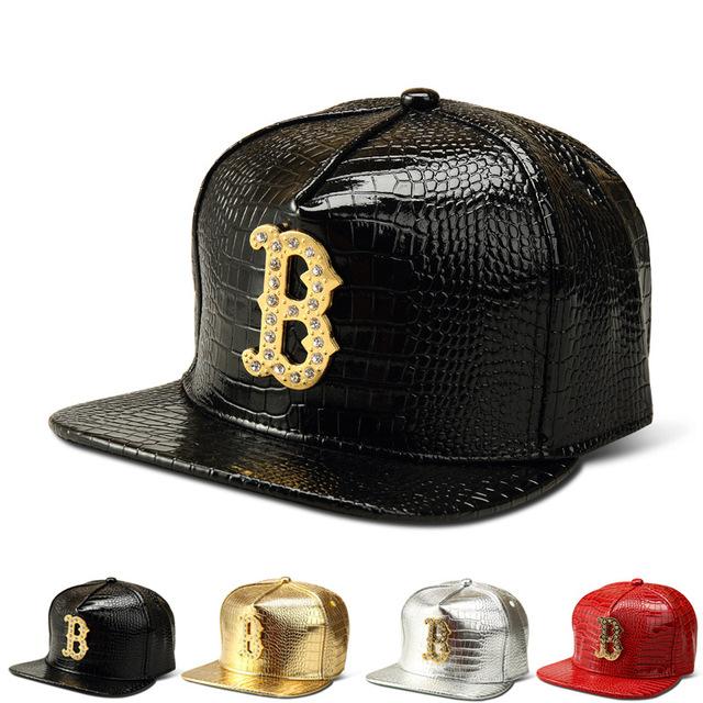 2016 Moda B Logotipo Ouro Couro PU Snapback do Boné de Hip Hop Dança de rua Chapéus Diamante Crocodile Grain Bonés de Beisebol Para Mulheres Dos Homens