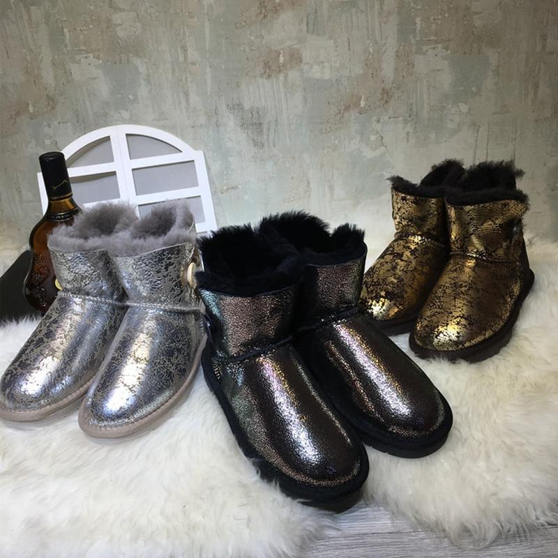 ФОТО New Winter Women Sheepskin Snow Boots Natural Sheep Fur Wool Bots Fashion Short Tube Waterproof Non-slip Leather Wool One Boots