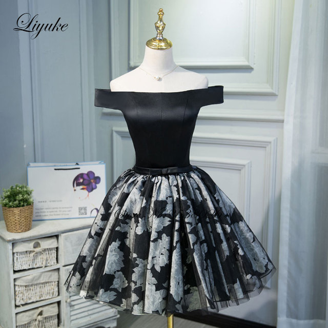 Liyuke Off The Shoulder Cocktail Dress Black Color Elegant Strapless Satin Fabrics Knee-Length Prom Dress For Cocktail Party