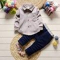 2017New Verão Bebê Esporte Terno 100% Algodão Design de Moda Bebê Meninos Conjunto de roupas de 1 2 Anos de Idade Camisas de Marca 2 pcs Frete Grátis
