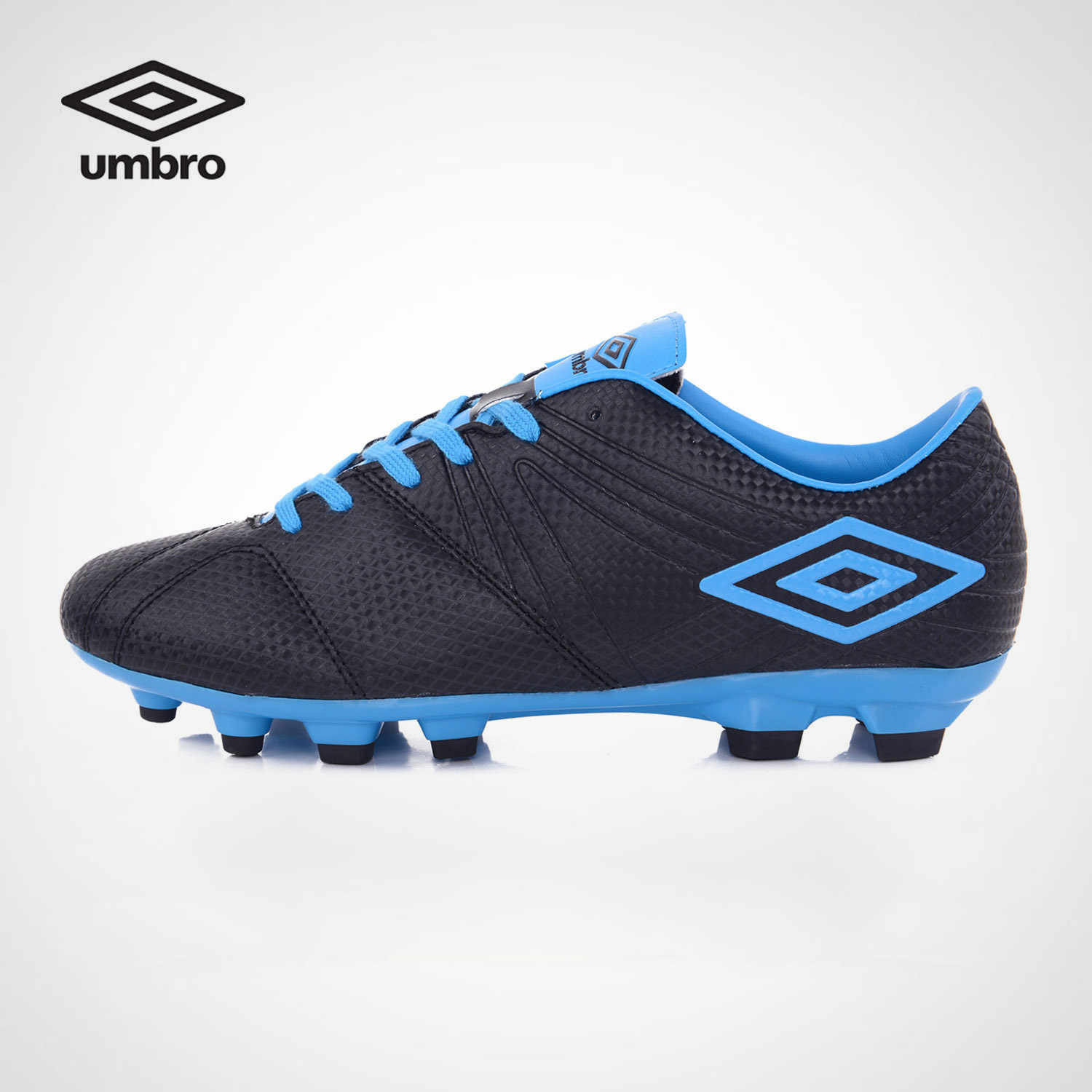 Umbro 2017 New Men s Accerator Football Shoes Arrival TF Men s Soccer Shoes  Football Sneakers Uss7711 82e5aa0da