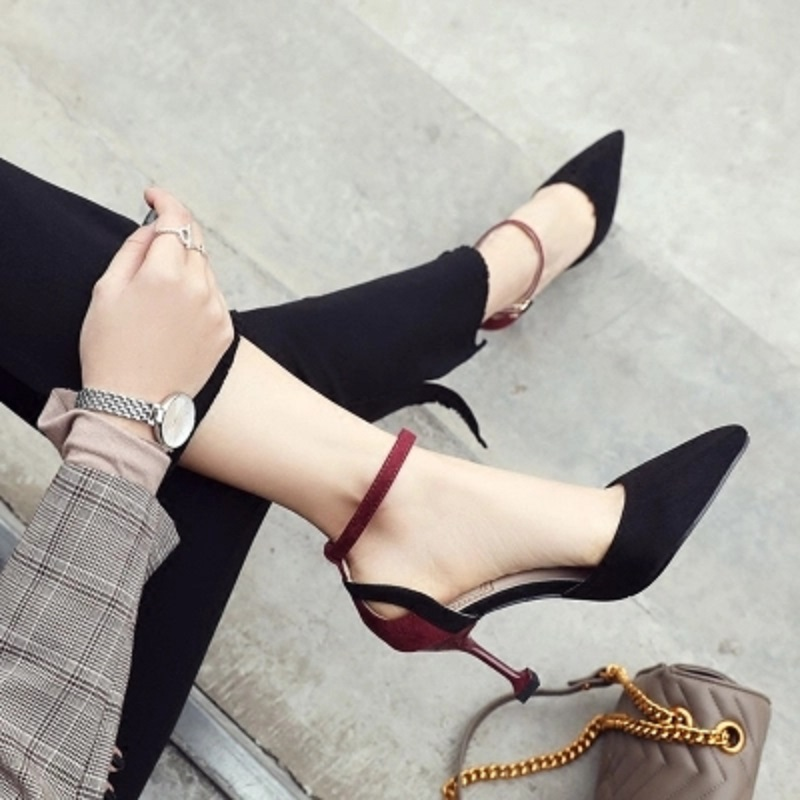 2018 spring and autumn new suede high heels Sexy fine with a word buckle hollow single shoes.